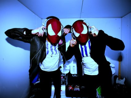 http://superneonblog.files.wordpress.com/2008/12/bloody-beetroots5.jpg